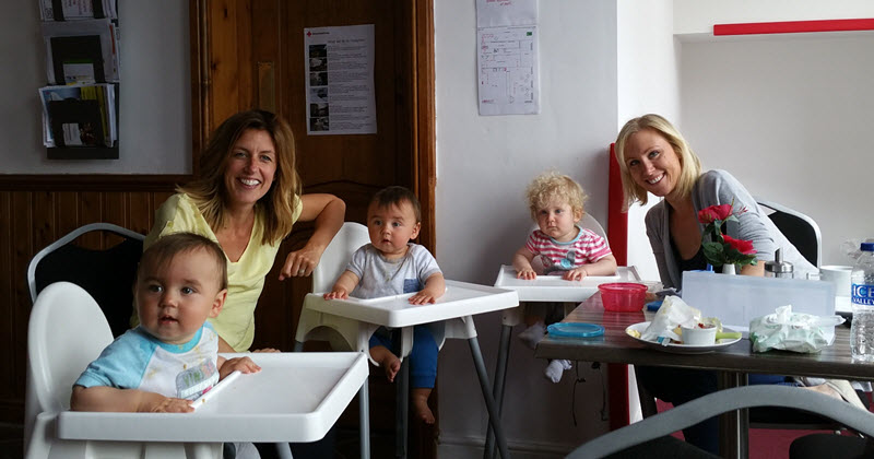 image of 3 babies in high chairs in cafe